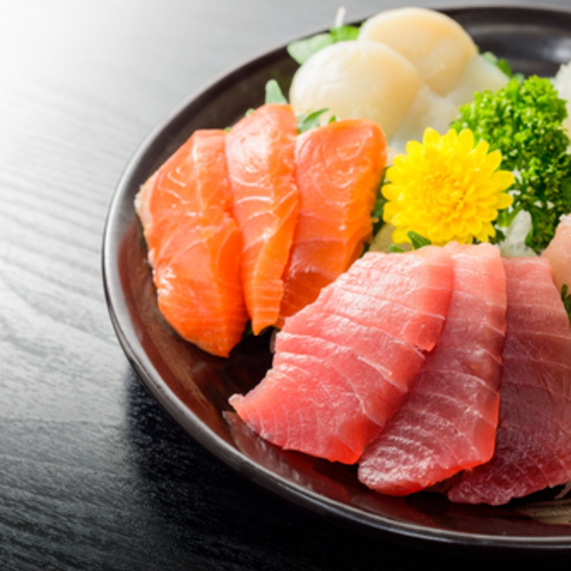 Sashimi Guide: Types, How To Make & Eat, Nutrition, Etc  | favy