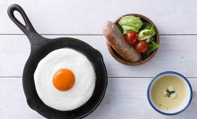fried_eggs_sausage_salad