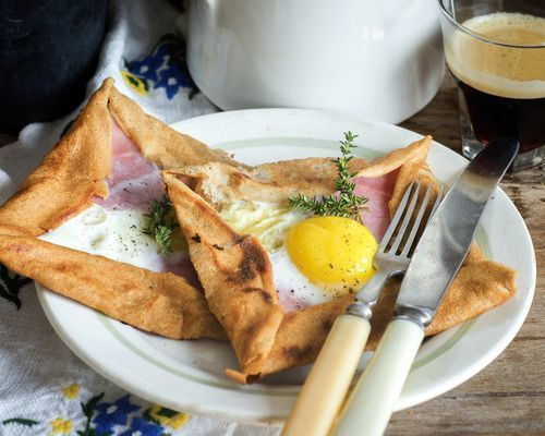 Galette_with_ham_and_eggs