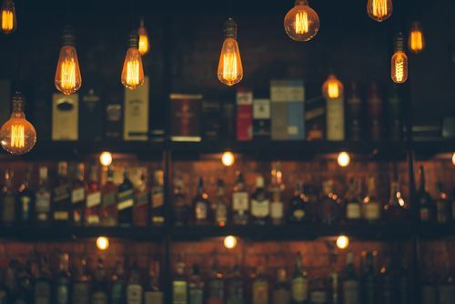 Bar_with_vintage_lights