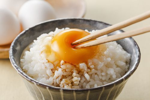 Raw_egg_over_rice