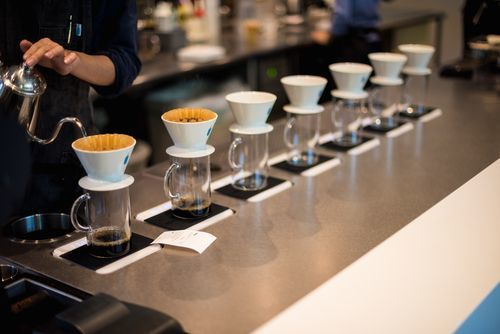 bluebottle_pouring