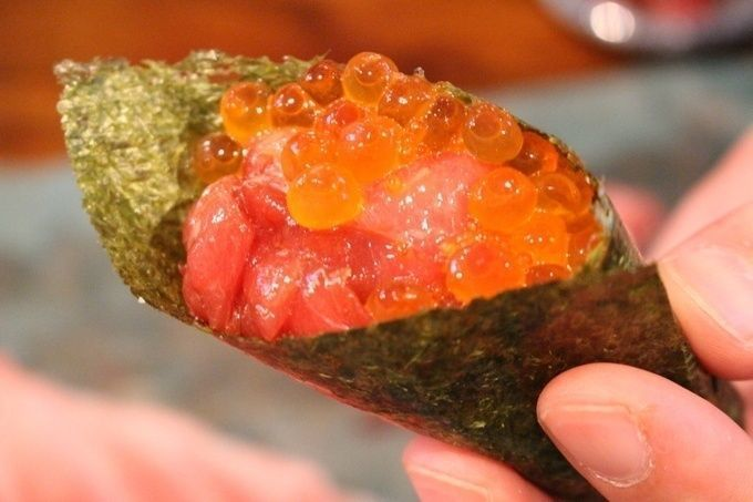 Maguro_Mart-hand_rolled_sushi
