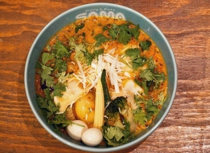 SAMA-soup_curry_with_coriander