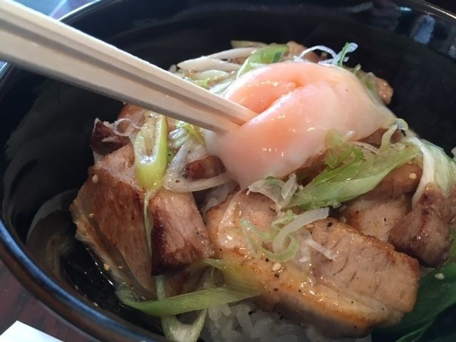 donburi_pot_egg_on_top