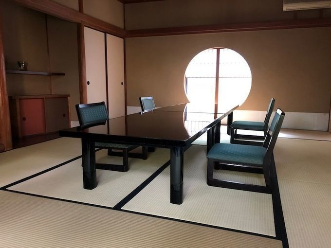mankamero_dining_room