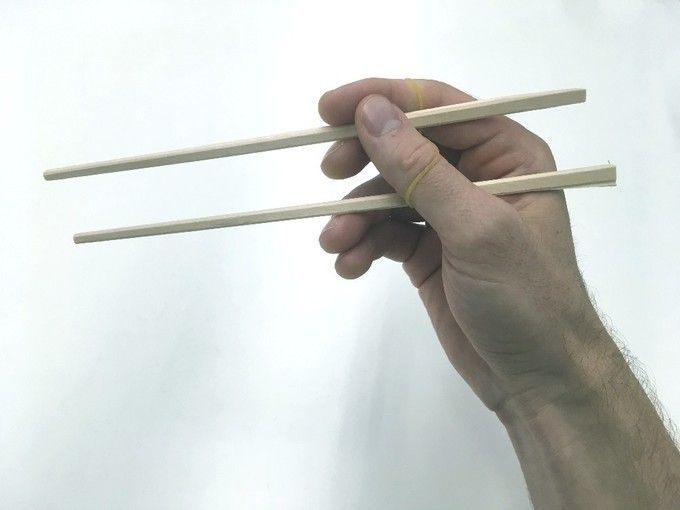 using_chopsticks_with_rubber_band
