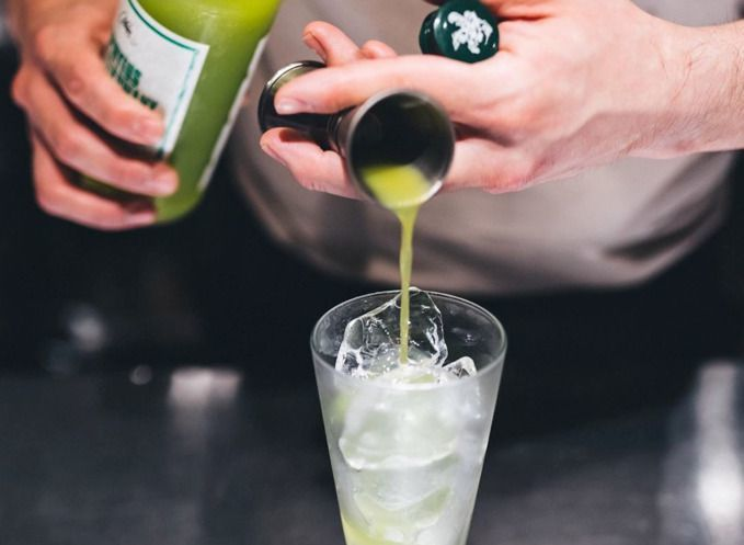 Pouring_mix_into_drink