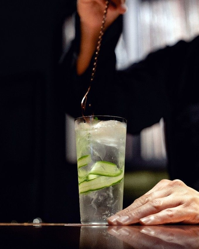 Gin_and__tonic_with_Cucumber