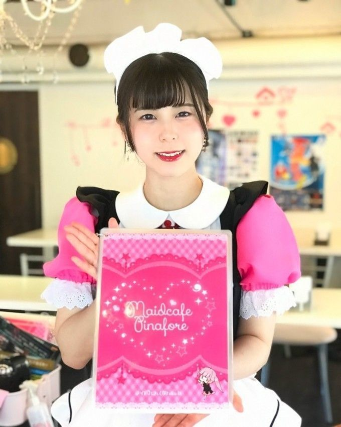 maid_pinafore1